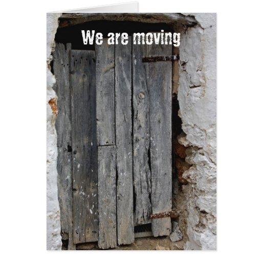 Puerta de madera vieja estamos moviendo la tarjeta zazzle for Puerta vieja madera