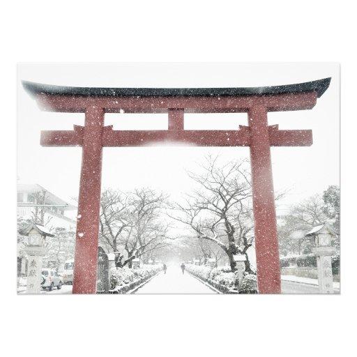 Inicia el Viaje  Puerta_de_torii_del_japones_en_la_invitacion_del_i-r11915d0cad334ff4873ccb3f6738f6ca_imtzy_8byvr_512