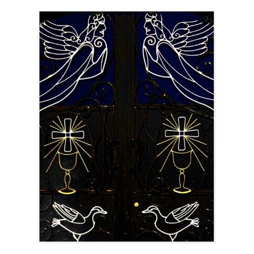 Puerta griega decorativa con ángeles, los pájaros  postales