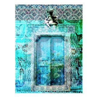 Puerta italiana romántica del renacimiento con postal