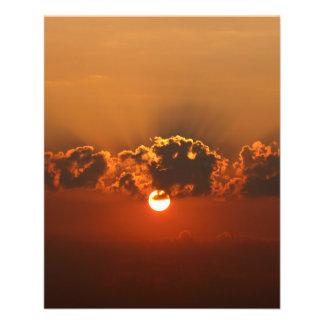 Puesta del sol con las nubes folleto 11,4 x 14,2 cm