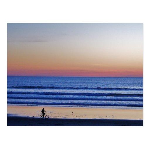 Puesta del sol de Crusier de la playa de Santa Cru Postal
