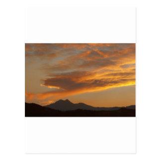 Puesta del sol de Front Range de la montaña rocosa Postal