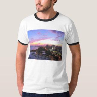 Puesta del sol de Hawaii del paisaje urbano de Camiseta