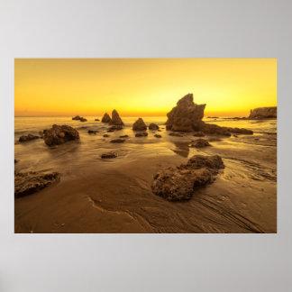 Puesta del sol de la playa del EL Matador Póster