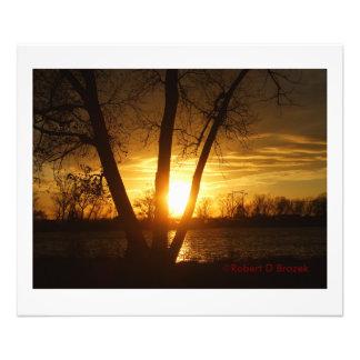 Puesta del sol de la silueta de Kansas, ampliación Foto