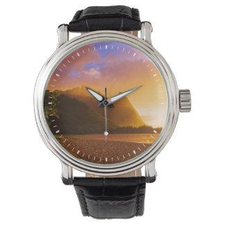 Puesta del sol de oro de la playa, Hawaii Reloj