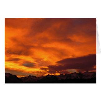 Puesta del sol de rubíes de la montaña tarjeta pequeña