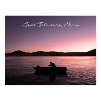 Puesta del sol del lago Titicaca en Perú Postal