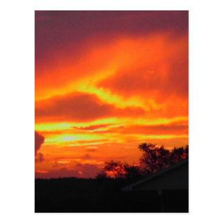 Puesta del sol después de la tormenta postal