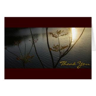 Puesta del sol en el de agradecimiento de las tarjeta pequeña