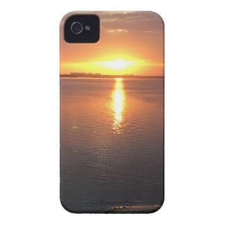 Puesta del sol hermosa funda para iPhone 4 de Case-Mate