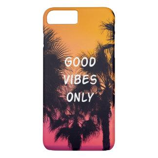 Puesta del sol tropical de las palmas de la playa funda iPhone 7 plus