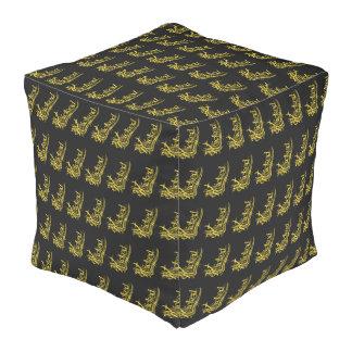 Puf amarillos traviesos del cubo del modelo