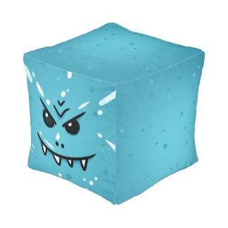 Puf Cara azul divertida con sonrisa disimulada