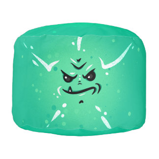 Puf Cara verde divertida del monstruo con la sonrisa