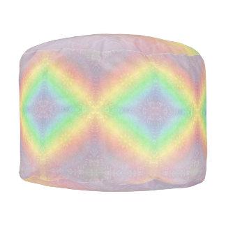 Puf Diseño en colores pastel de la mandala del arco