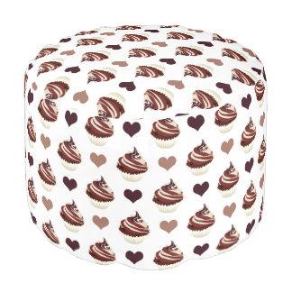 Puf modelo de las magdalenas del chocolate