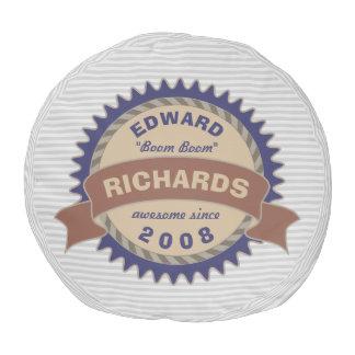Puf Rayas azules del gris del logotipo de Brown del