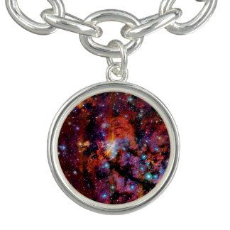 Pulsera Con Dije Nebulosa de la gamba de IC 4628 - foto colorida