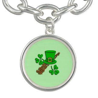 Pulsera Con Dije Verde irlandés del gorra