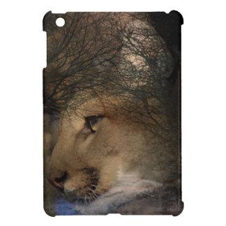 Puma salvaje del león de montaña de la silueta del