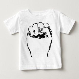 Puño en el aire camiseta de bebé