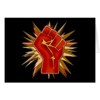 Puño rojo de la solidaridad a modificar para tarjeta de felicitación