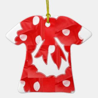 Punto blanco en la guirnalda de seda roja del remi adornos