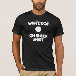 Punto blanco en negro camiseta