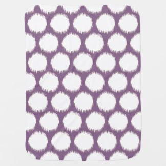 Puntos asiáticos violetas de Ikat de los humores Mantita Para Bebé