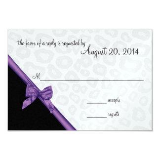 Puntos del leopardo y tarjeta púrpura de la invitación 8,9 x 12,7 cm
