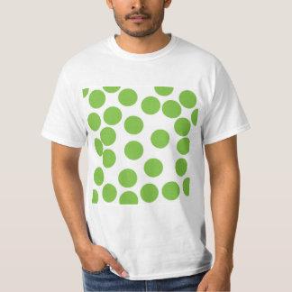 Puntos grandes del verde de guisante en blanco camiseta
