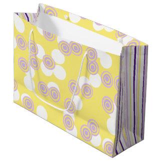 Puntos y rayas amarillos y bolso púrpura del bolsa de regalo grande