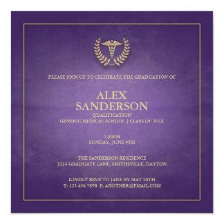 Púrpura de la invitación el | de la graduación de