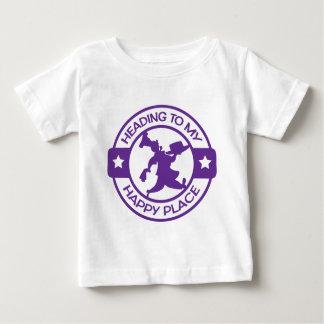 Púrpura feliz del chef de repostería del lugar camisetas