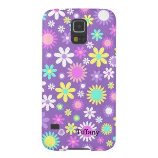 Púrpura femenina bonita con las flores de encargo carcasa galaxy s5