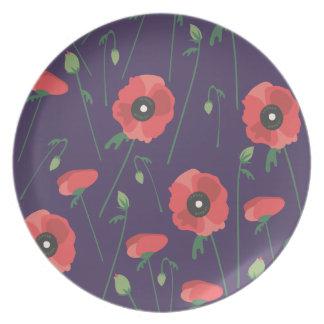 Púrpura floreciente de la amapola de la primavera plato