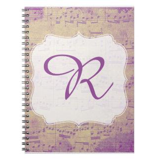 Púrpura inicial de encargo Grungle del cuaderno de