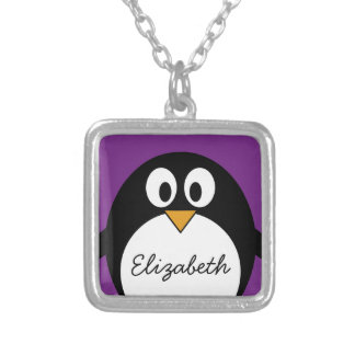 púrpura linda del pingüino del dibujo animado collares