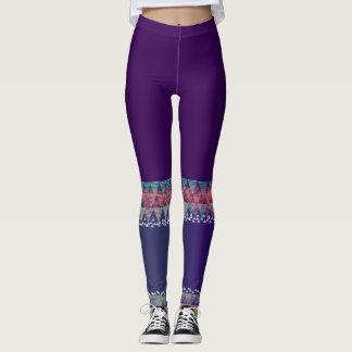 Púrpura oscura con las polainas aztecas de leggings