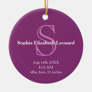 Púrpura recién nacida del recuerdo del monograma d ornamentos de navidad
