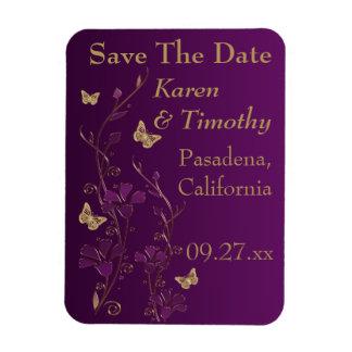 Púrpura reserva floral de la mariposa del oro el