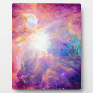 Púrpura rosada colorida de la nebulosa de Orión Placa Expositora