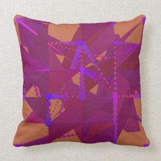 Púrpura y almohada geométrica de Brown