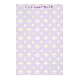 Púrpura y efectos de escritorio de la flor de lis  papeleria personalizada