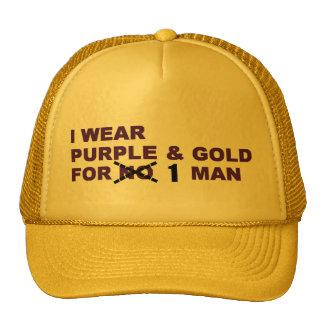 Púrpura y gorra de Favre del oro