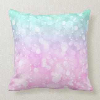 Purpurina atractivo del bokeh del rosa en colores cojín decorativo