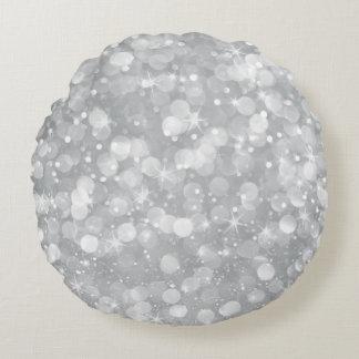 Purpurina de Bokeh de los gris plateados Cojín Redondo