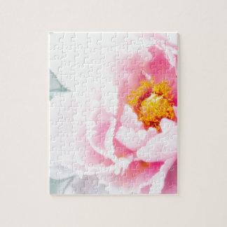 Puzzle Alta flor rosada dominante del Peony
